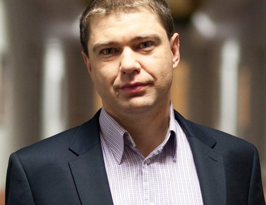Piotr Szumlewicz w telewizji Comparic24.tv o podwyżkach dla władz