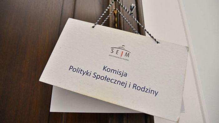 Domagamy się umów etatowych dla polskich opiekunek w Niemczech