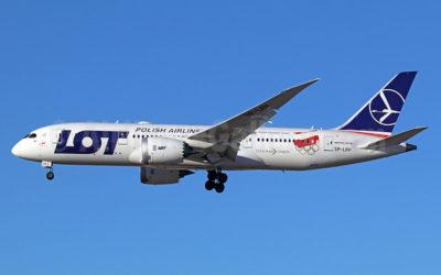Skandal w PLL LOT – firma chce zwolnić prawie 30% stewardess!