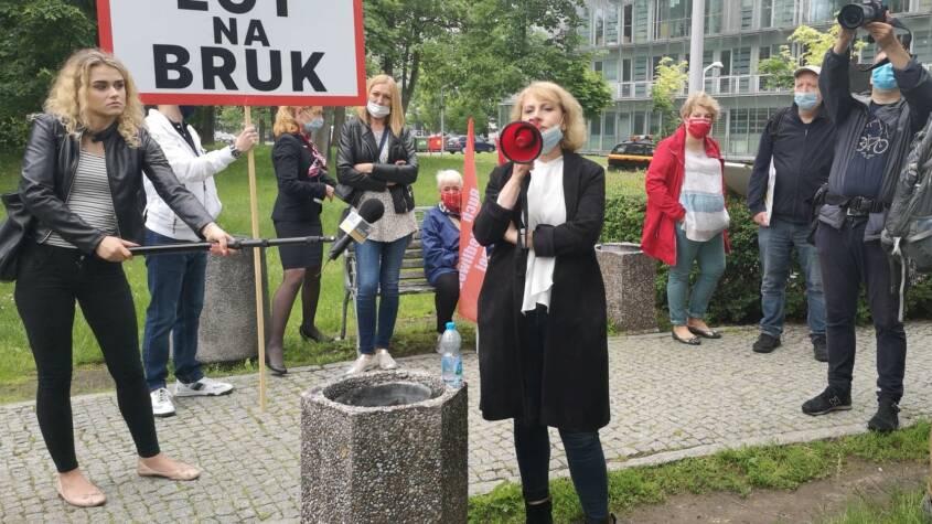 Agnieszka Szelągowska: Oszczędności ważniejsze niż ludzie