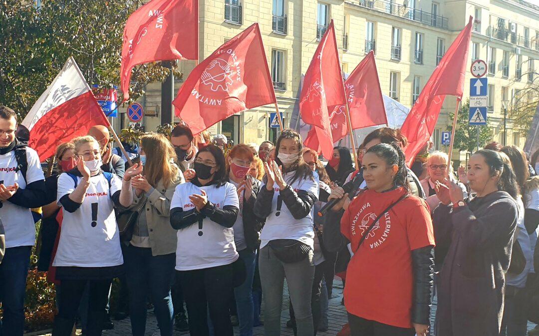 Demonstrowaliśmy pod Ministerstwem Finansów. Dość lekceważenia pracowników skarbówki!